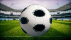 踢球的足球运动员在体育场-电视节目介绍内 皇族释放例证