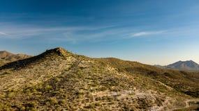 踢马刺十字架大农场地方公园鸟瞰图在洞小河,亚利桑那附近的 库存照片
