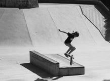 踩滑板在圣贝尔纳多-杜坎普 免版税库存照片