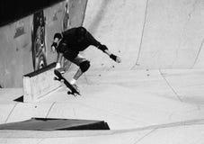 踩滑板在圣贝尔纳多-杜坎普 免版税图库摄影