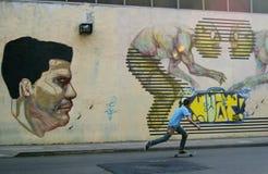踩滑板在布宜诺斯艾利斯 库存照片