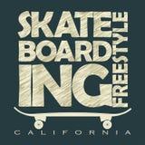 踩滑板的T恤杉象征 免版税库存图片