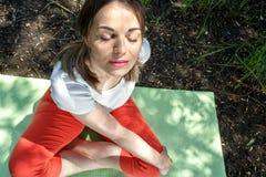 身体平衡和geist的瑜伽 库存照片
