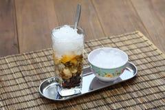 车公,越南冷的甜点心汤 免版税库存照片