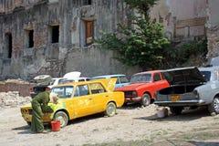 洗车在古巴 库存照片