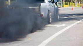 从车排气管的大气污染 免版税库存图片