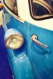 车灯和把柄唯一葡萄酒汽车的开门 库存图片