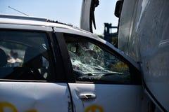 车祸和紧急急救工作的场面 免版税图库摄影