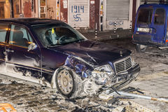 车祸在夜之前 库存照片
