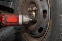 车胎改变 免版税库存照片