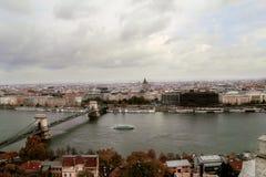 车臣铁锁式桥梁在布达佩斯 免版税库存照片
