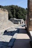 车行道,庞贝城考古学站点, nr维苏威火山,意大利 库存照片