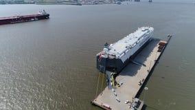 车载体船装货汽车特拉华河威明顿特拉华鸟瞰图  影视素材