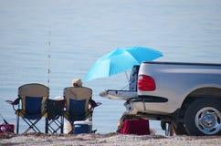 车辆后档板钓鱼会 库存图片