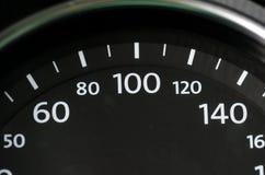 车速表汽车从豪华sportcar黑色的控制板 免版税库存照片