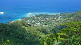 车费胡阿希内岛Nui法属玻里尼西亚看法村庄  免版税库存图片