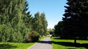 轨道在公园Kolomenskoye在夏天 俄国 影视素材