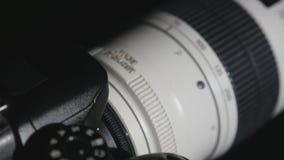 转动在照片照相机的设置轮子