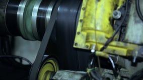转动在驱动的传送带 CNC 股票录像