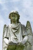 转动的天使雕象Natchez市公墓,密西西比 库存照片
