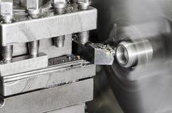 转动的车床和金属细节转动的纺锤  库存图片
