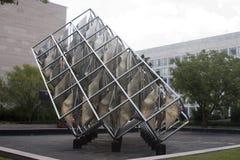 转动的雕塑新的全国购物中心 库存照片