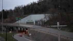 转动,WV -大约2019年4月1日-轮的隧道时间间隔在仅西维吉尼亚社论使用的 影视素材