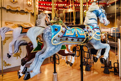 转盘圣诞节马装饰品结构树 图库摄影