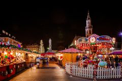 转盘在圣诞节市场上, Vipiteno,波尔查诺,特伦托自治省女低音阿迪杰,意大利 库存图片