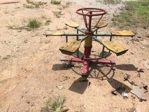 转盘是农村孩子的一个玩具 图库摄影