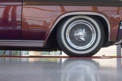 轮子雪佛兰因帕拉327 库存照片