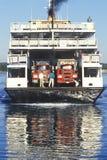 轮渡到点的朱迪思,罗德岛州石块海岛 免版税库存照片