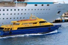 轮渡和船 免版税库存图片