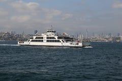 轮渡在伊斯坦布尔 库存图片