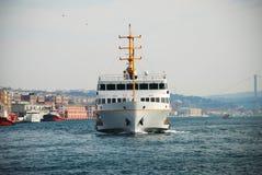 轮渡在伊斯坦布尔 图库摄影