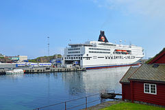 轮渡Norröna在Torshavn 库存图片