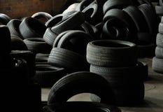 轮胎使用了车轮胎 免版税库存照片