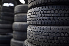 轮胎在轮胎商店的待售 免版税库存照片