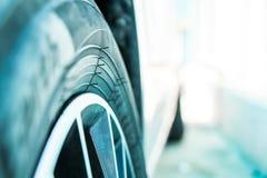 轮胎汽车 库存照片