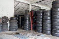 轮胎仓库 图库摄影