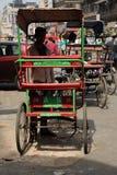 轮转人力车。老德里,印度。 库存图片