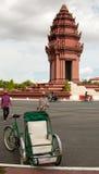 轮转人力车在金边柬埔寨 库存图片