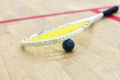 软式墙网球和球特写镜头  免版税库存照片