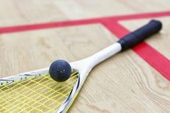 软式墙网球和球 免版税库存照片