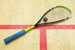 软式墙网球和球 免版税库存图片