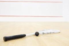 软式墙网球和球 免版税图库摄影