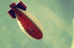 软式小型飞艇,葡萄酒样式 库存照片