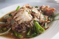 软的壳螃蟹油煎用黑胡椒 免版税库存图片