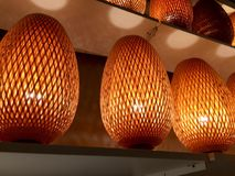 软的灯在商店 免版税库存图片