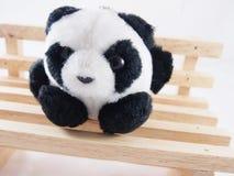软的熊猫玩偶,只单独坐 免版税库存图片
